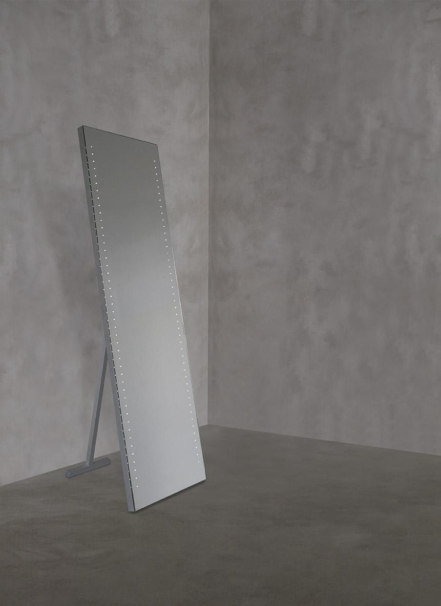 Specchiera LED modello CARINA