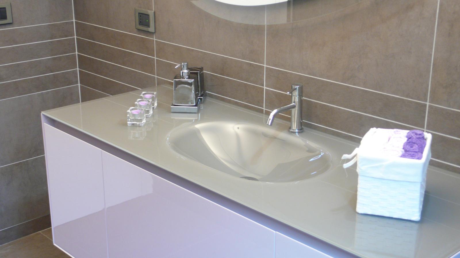 Works sintesibagno progetto e realizzazione arredobagno bagno lady - Sintesi bagno verbania ...