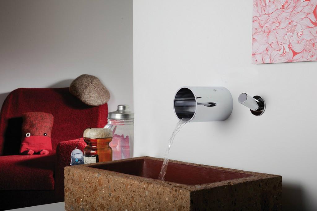 sintesibagno-verbania-svizzera-canton-ticino-miscelatore-lavabo-a-parete-tube-bonomi
