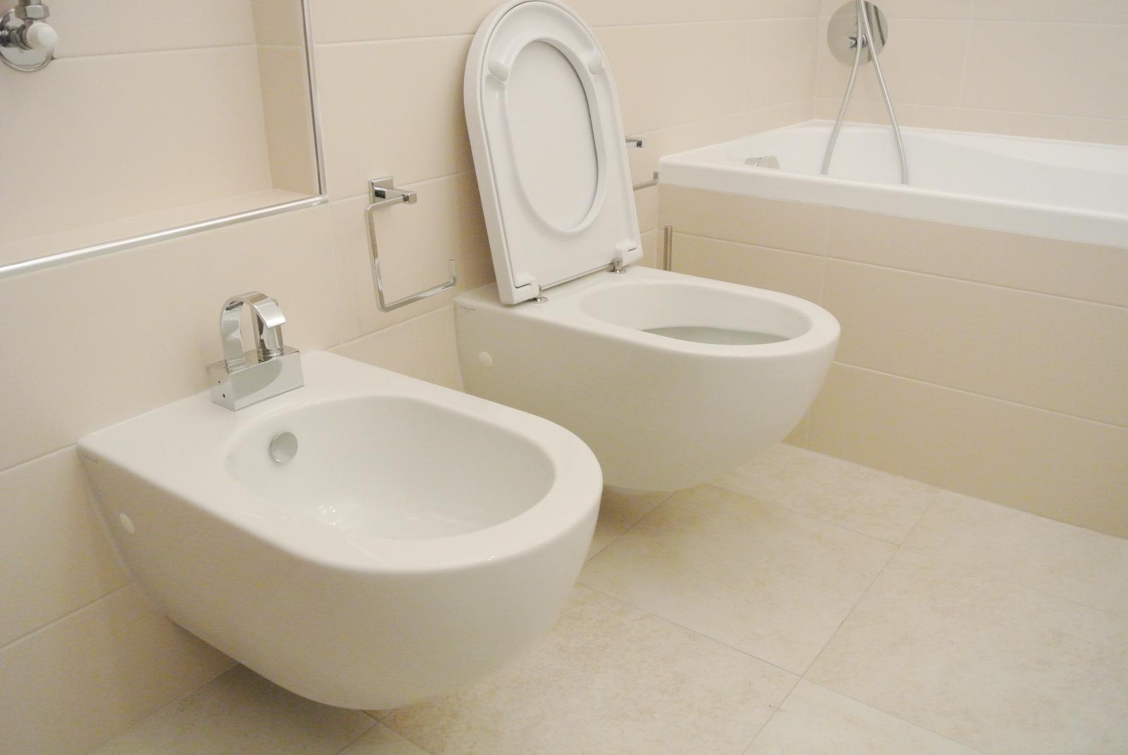 sintesibagno-arredobagno-arredo-bagno-svizzera-mobile-puntotre-lavabo-appoggio-catalano-sanitari-sospesi-catalano-sfera