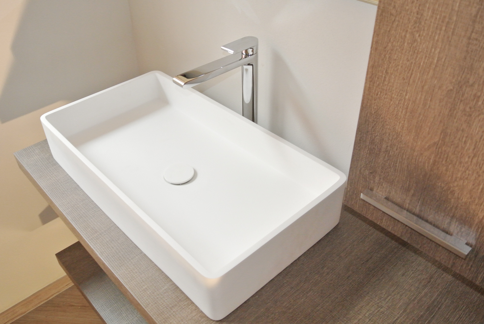 sintesibagno-verbania-arredobagno-lavabo-corian-miscelatore-lavabo-prolungato-bpnomi-bonny-puntotre