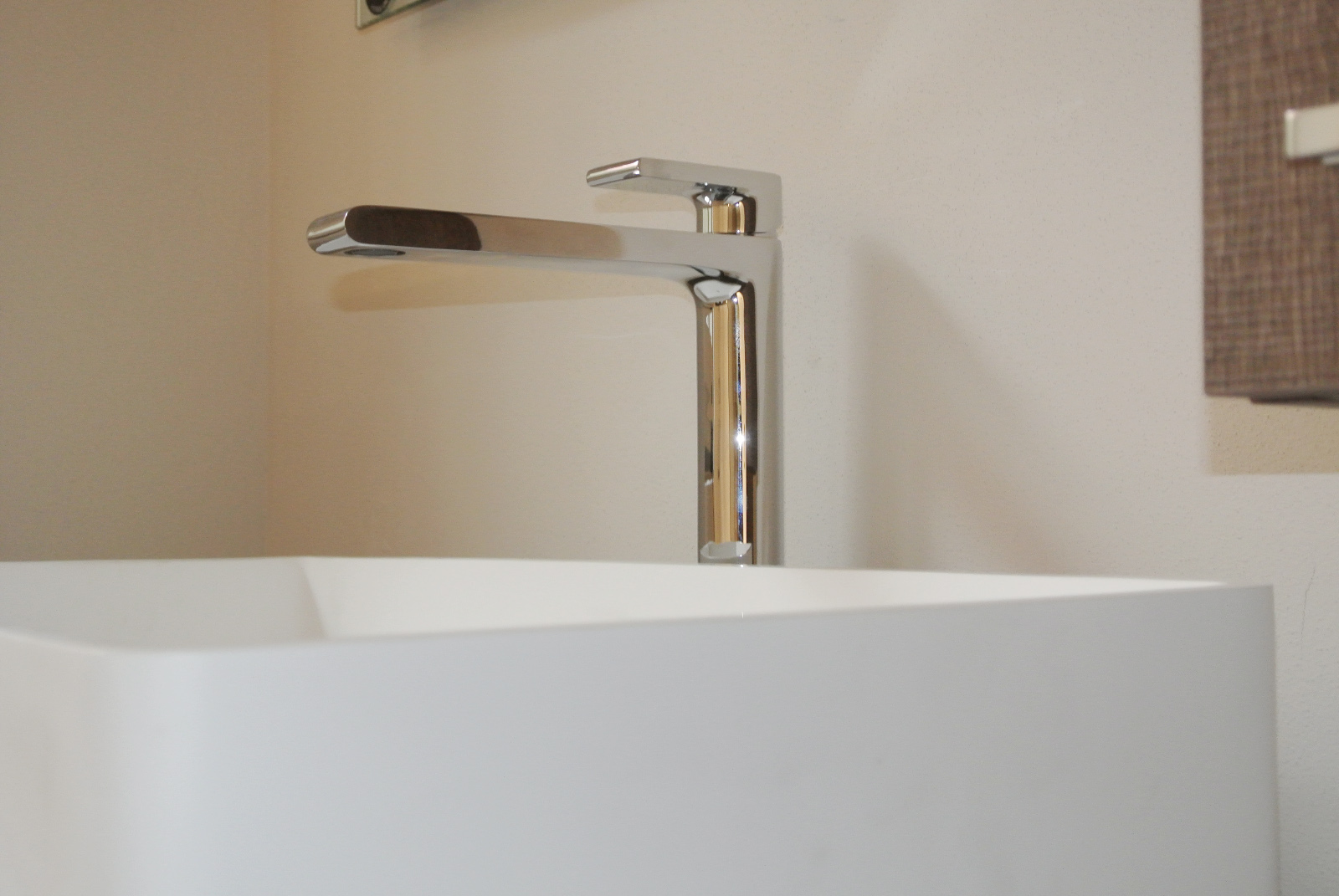 sintesibagno-verbania-arredobagno-lavabo-corian-miscelatore-lavabo-prolungato-bpnomi-bonny_0