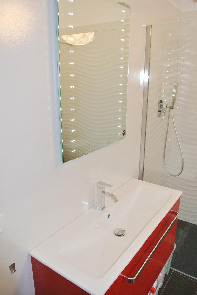 sintesibagno-verbania-canton-ticino-sviezzera-arredobagno-mobile-bagno-rubinetteria-parete-in-cristallo-piatto-doccia-filo-pavimento-02
