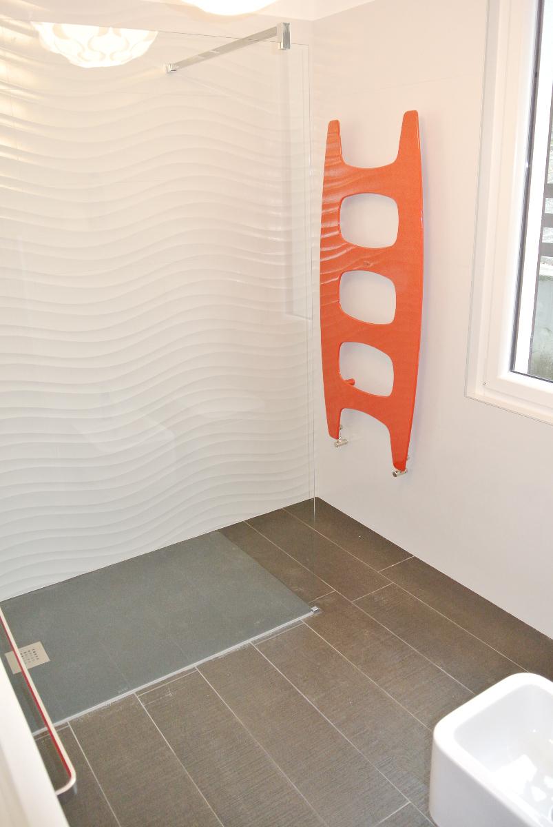 sintesibagno-verbania-canton-ticino-sviezzera-arredobagno-mobile-bagno-rubinetteria-parete-in-cristallo-piatto-doccia-filo-pavimento-07