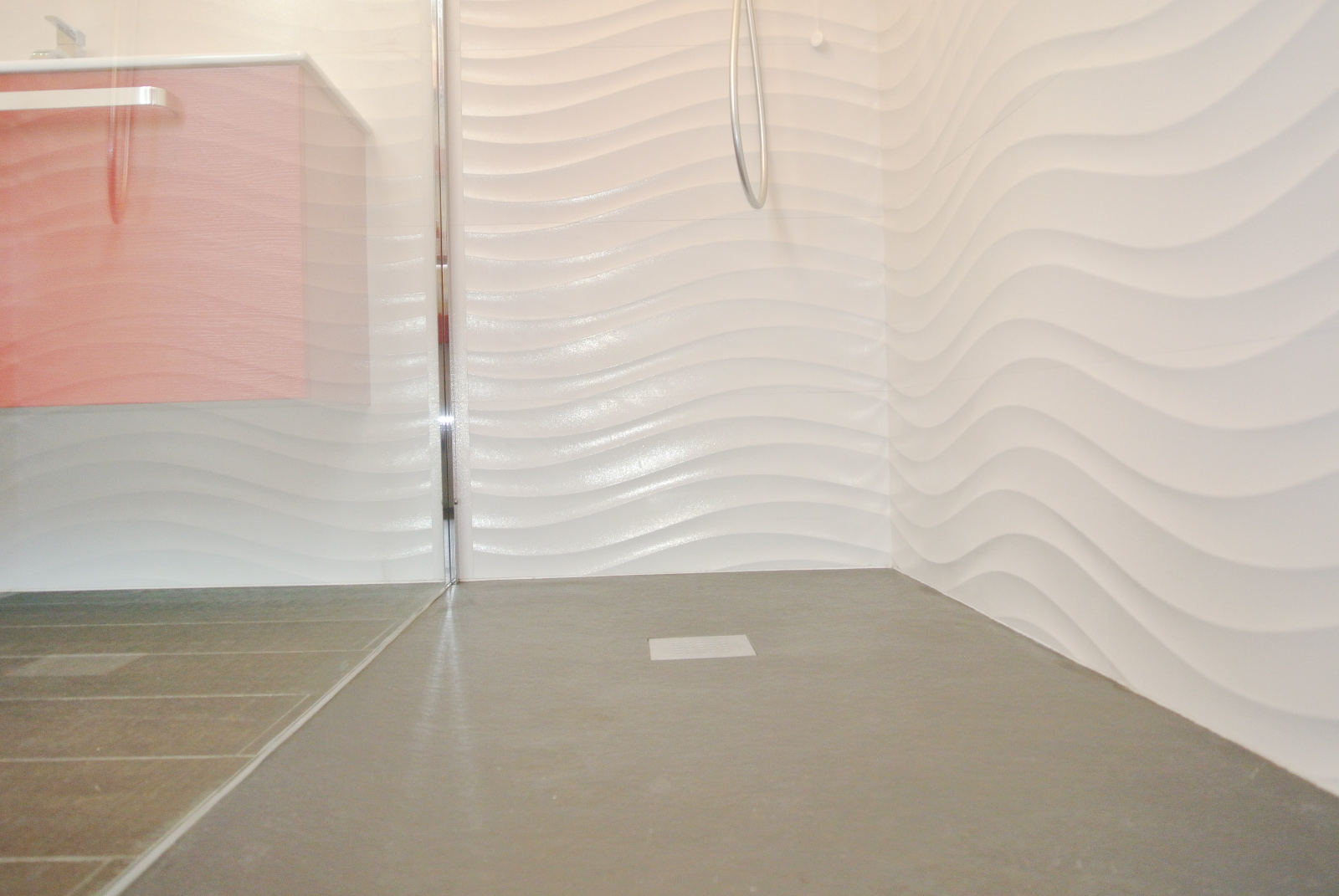sintesibagno-verbania-canton-ticino-sviezzera-arredobagno-mobile-bagno-rubinetteria-parete-in-cristallo-piatto-doccia-filo-pavimento-10