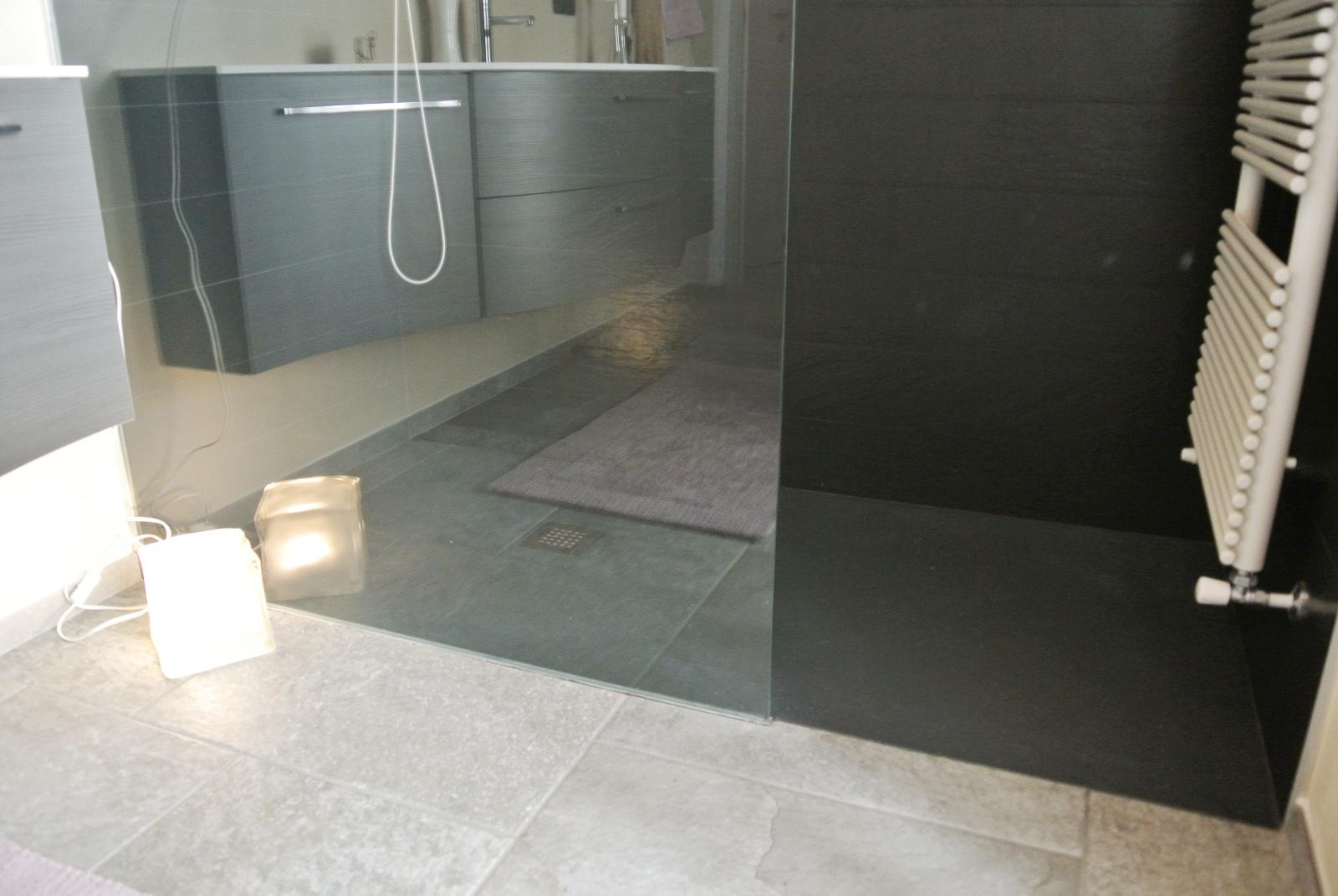 Arredamento lavanderia - Bagno rivestimento pietra ...