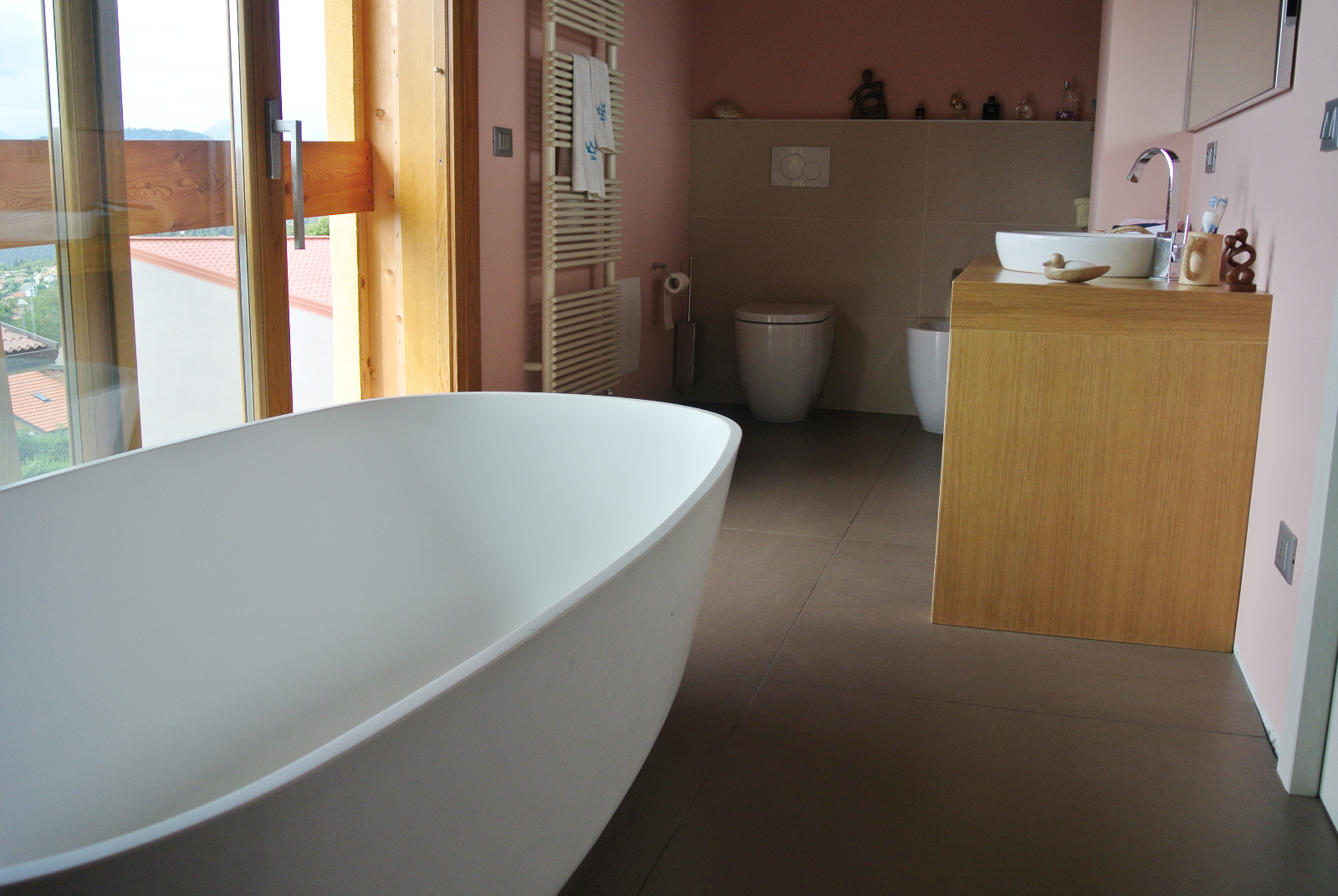sintesibagno8bis-verbania-lago-maggiore-svizzera-arredobagno-canton-ticino-bagno-vasca-centro-stanza-lavabo-sfera-cx-catalano